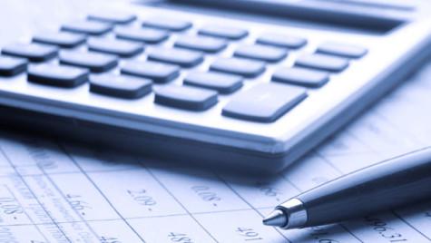Ieftinirea finanţărilor nu a oprit declinul pieţei de leasing financiar în 2013