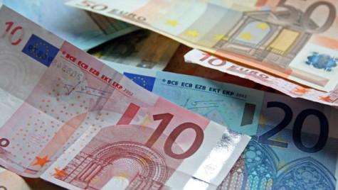 Guvernul vrea să adopte moneda euro în 2024. Ce spune Isărescu