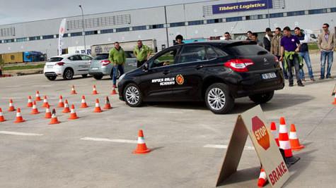 Conducerea defensivă, plus de siguranţă, minus de costuri