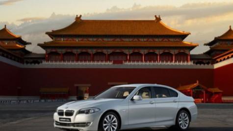 Profilul chinezilor cu automobile de lux: Tineri de 33 de ani, cu studii superioare