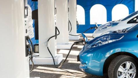 Până în 2016, România trebuie să adopte reglementări privind utilizarea carburanţilor alternativi