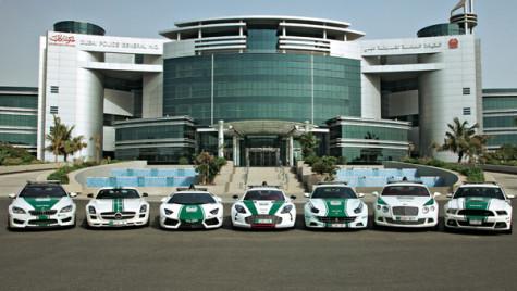 Flota Poliţiei din Dubai valorează milioane de dolari dolari. De la Bugatti Veyron, la  Lamborghini Aventador