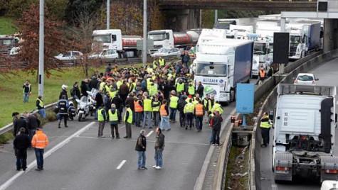 Transportatorii se alătură protestului ASSAI la adresa ASF