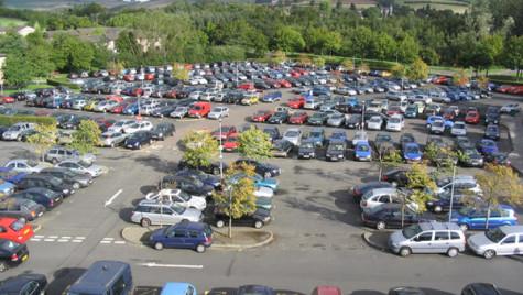 Afacerile din comerţul auto-moto, creştere de 0,9%