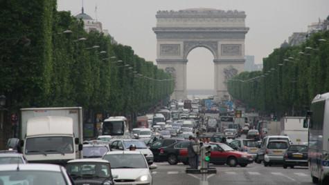 Franţa va renunţa la stimulentele pentru motorizările diesel. Renault şi PSA au reacţionat imediat