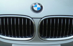 BMW rămâne liderul pieţei auto de lux pentru al zecelea an consecutiv
