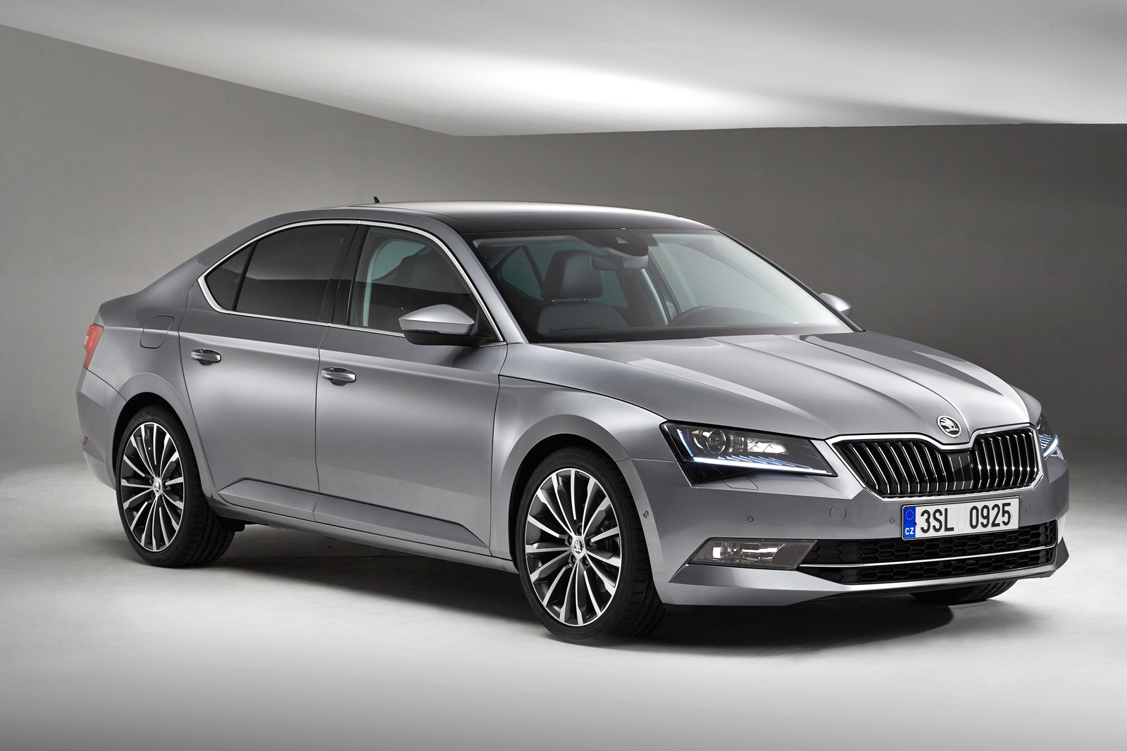 Skoda Superb 2015 - floteauto 4