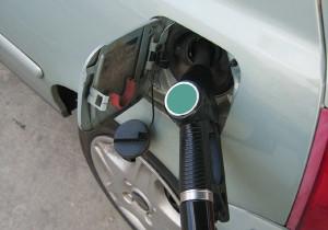 ingrijorat-scaderea-consumului-carburanti-guvernul-vrea-sa-reduca-accizele-2016-floteauto