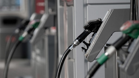 Carburanţi pentru cele 174 de maşini de la Camera Deputaţilor