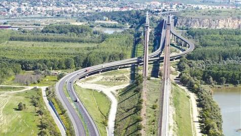 Cum va fi fluidizat traficul la încasarea taxei de pod de la Feteşti