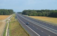 Ministrul Transporturilor îşi asumă finalizarea a 80 km. de autostradă