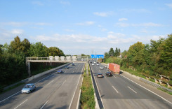 România are mai puţin de 700 km de autostrăzi. Vezi cum este în alte ţări