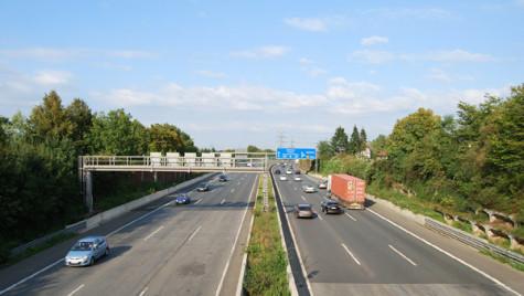 2,6 mld euro pot fi cheltuite pe autostrăzi şi drumuri