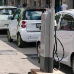 """Flota Autonom Services se """"înverzeşte"""" cu 12 maşini electrice şi 13 hibride"""