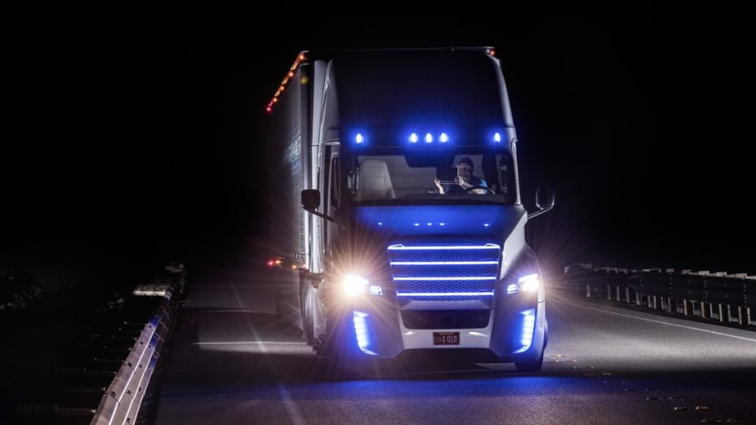 freightliner inspiration tir masini autonome - floteauto 0