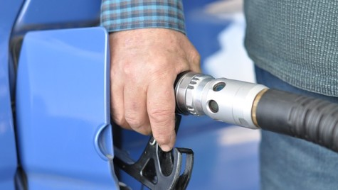 Intenţie de plafonare a preţurilor la carburanţi