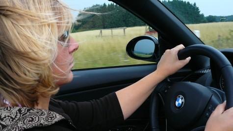 Şoferii români, nemultumiţi de scumpirile anuale ale poliţelor RCA