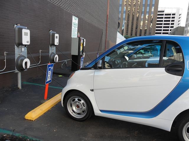 autoturisme-hibride-si-electrice-au-fost-vandute-floteauto