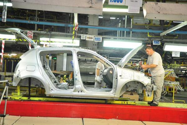 firmele-care-activeaza-in-sectorul-auto-au-o-situatie-financiara-superioara-mediei-pe-economie-floteauto