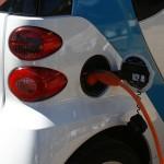 Planul pentru instalarea de staţii electrice în parcările a trei autostrăzi