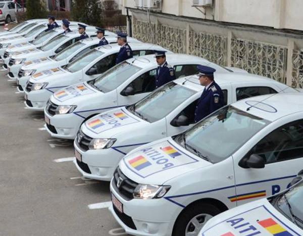 autospeciale-dacia-logan-au-intrat-in-flota-politiei-floteauto