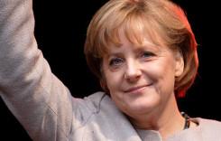 Angela Merkel: Industria auto germană ar trebui să le ofere imigranţilor o şansă