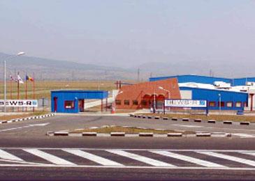 Producătorul japonez de componente auto, SEWS, îşi mută producţia din Slovacia în România