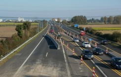 Circulaţie restricţionată astăzi pe autostrăzile A 1 şi A 2