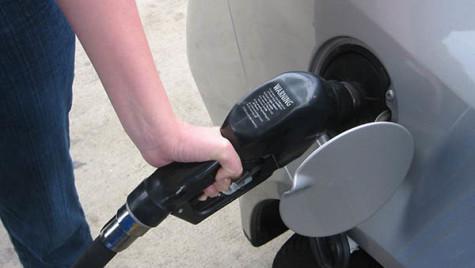 Supraacciza la carburanţi a fost eliminată din Codul Fiscal