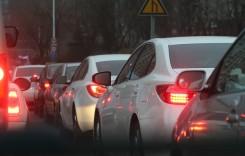 Piaţa auto este susţinută în continuare de achiziţiile companiilor
