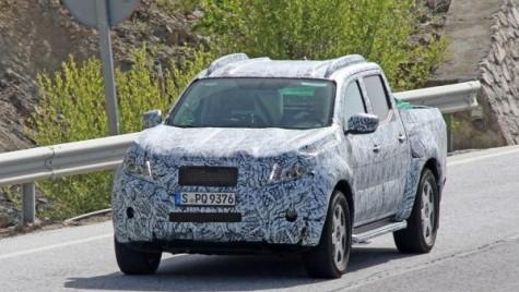 Mercedes GLT: primul pick-up al companiei, spionat.