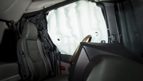Camioanele Scania scriu istorie: vor avea airbaguri cortină!