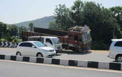 Transportatorii solicită finalizarea Legii RCA în 3-6 luni după expirarea perioadei de plafonare a tarifelor