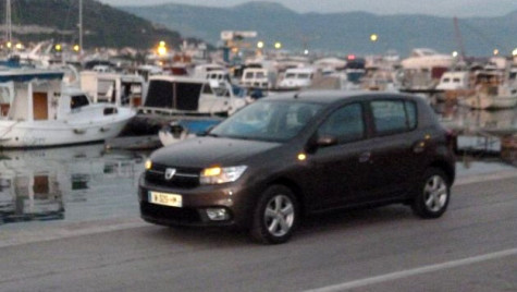 EXCLUSIV. Primul test cu Dacia Sandero 1.0 SCe