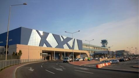 Taximetriştii ameninţă că se vor retrage de pe Aeroportul Otopeni