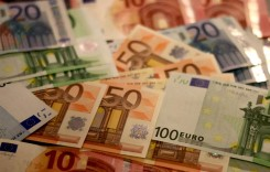 Curs mediu de 4,7651 lei/euro?