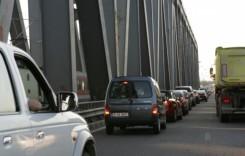 Lucrările pe podul de la Feteşti continuă încă o săptămână