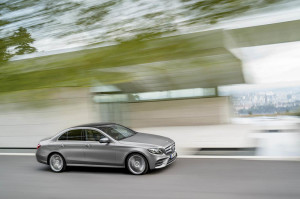 Licitatie Mercedes Camera deputatilor02