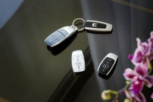 Stick USB în forma unei chei Mercedes-Benz