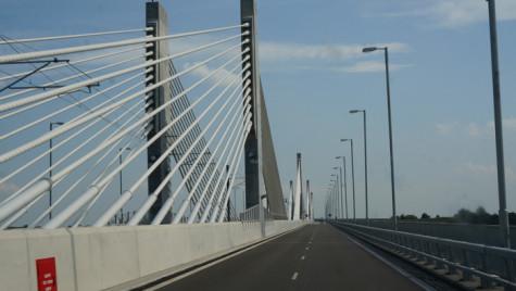 Lucrări de reparaţie pe podul Calafat – Vidin