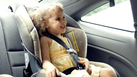 Reglementările privind portul centurii de siguranţă şi scaunul auto. Ce înălţime are copilul tău?