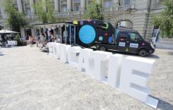 Camionul cu educaţie financiară a fost parcat în piaţa Universităţii