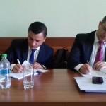 Semnarea contractului de către reprezentanții Primăriei Iași