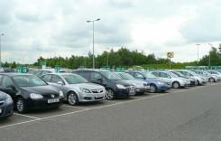 Companiile de închirieri auto, obligate să includă toate taxele în preţ
