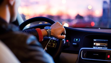 Condiţii pentru şoferii din transportul alternativ de tip ride-sharing