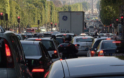 Oraşele care nu vor maşini poluante. Ce răspunde Bruxelles-ul