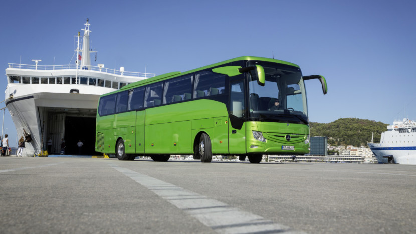 Mercedes-Benz Tourismo M/2