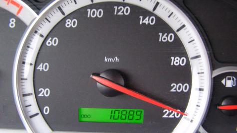 """""""Recordul"""" săptămânii: 223 km/h, pe autostrada Bucureşti-Braşov"""