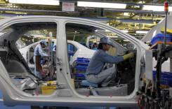 Industria auto, printre vedetele pieţei muncii din 2018