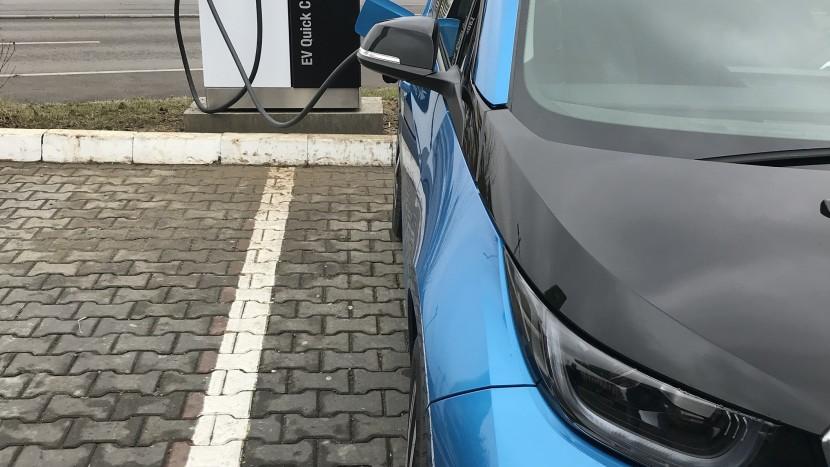 Stație de încărcare pentru mașini electrice MOL